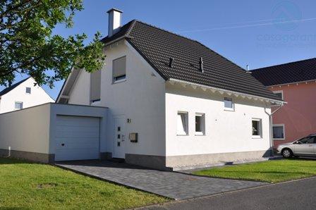 EFH_Bad_Honnef_Eingang_Walmdach