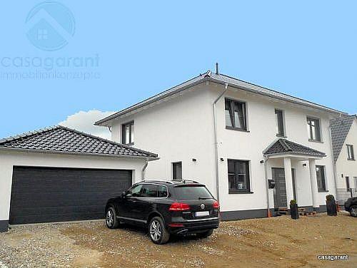 Stadtvilla_Swisttal-Odendorf_Eingang_mit_Garage